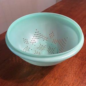 Vintage Tupperware Colander